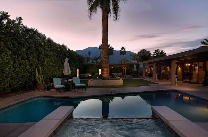NEW Incredible Private Retreat - Palm Springs - Hus