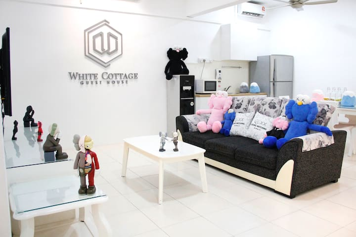 White Cottage Guest House Malacca (WC-02)