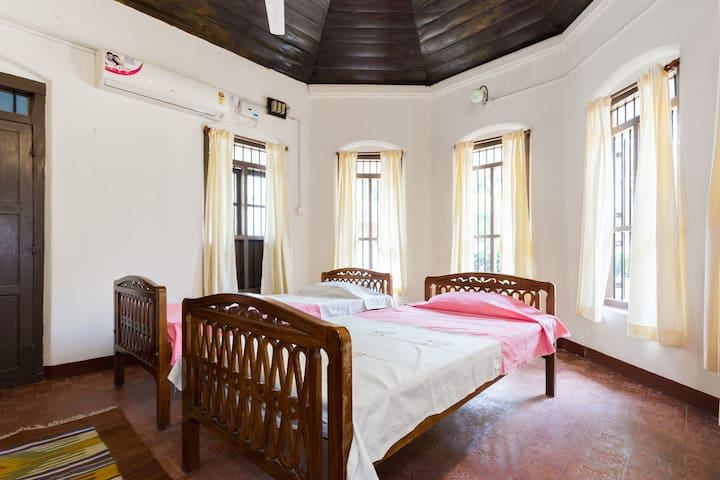 Cozy stay in a Christian Ancestral Home - Alappuzha - Dům