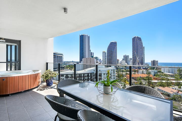 Modern 3 bed 2 bath with private Spa and Ocean views