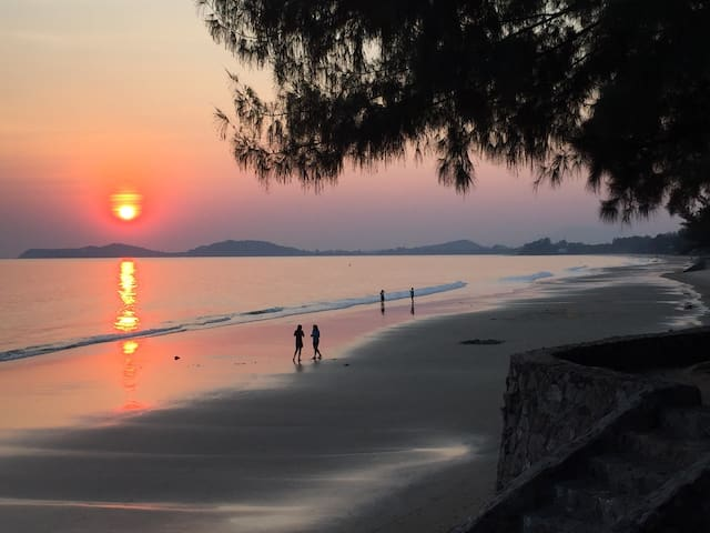 Great beachfront Condo