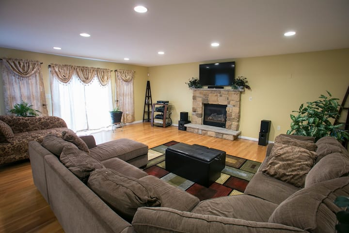 Scenic ~ Spacious ~ in the heart of the Poconos