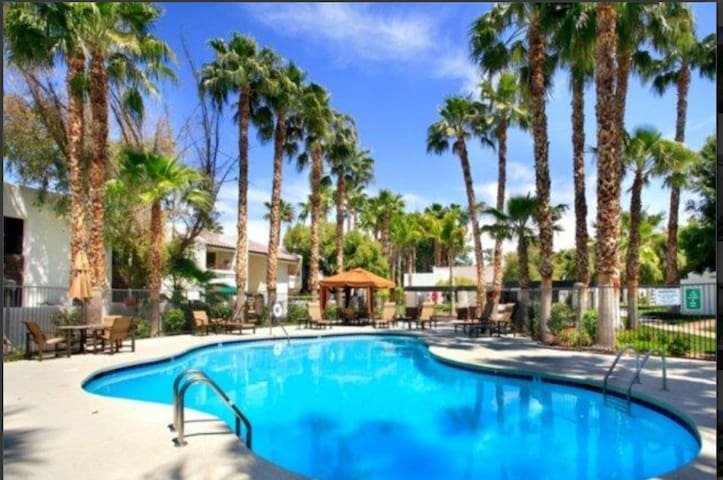 Fantastic two bedroom apartment in McCormick Ranch