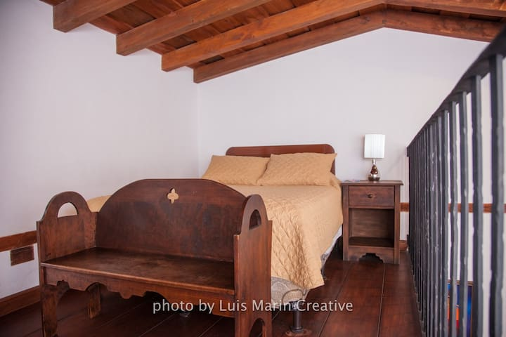 Loft room in Antigua! 10min walk from Central Park
