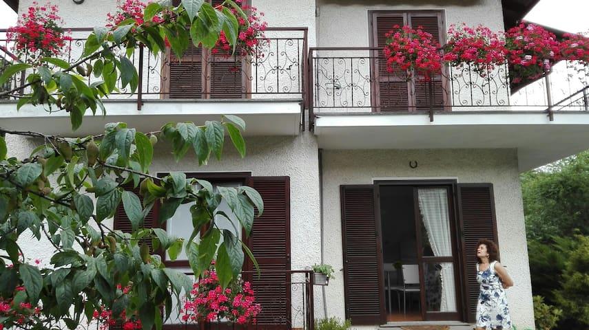 La casa nel giardino - Brovello-carpugnino - House