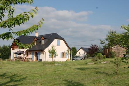 La Serre, Bourg de Bigorre - Bettes - Hus