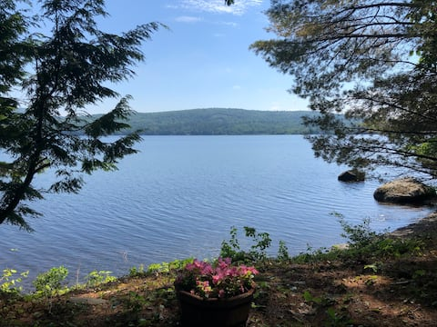 Pet-friendly Lakefront Cottage near Acadia