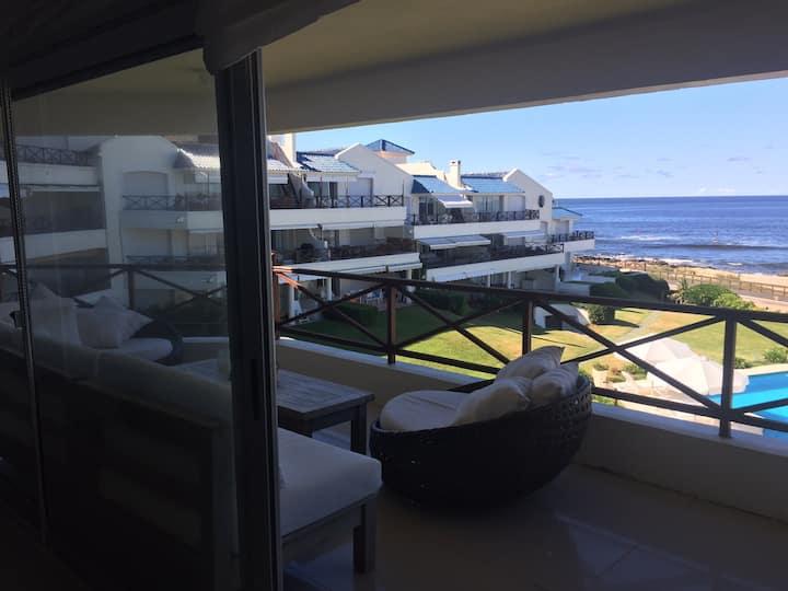 Divino Balcón Terraza Frente al Mar en Manantiales