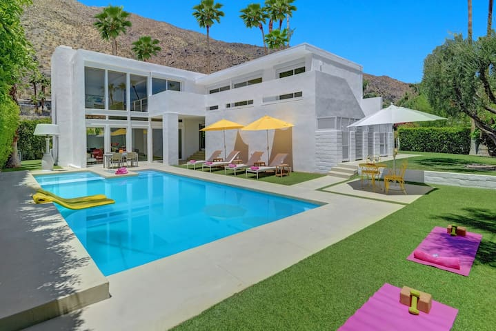 El Portal - Modern Luxury