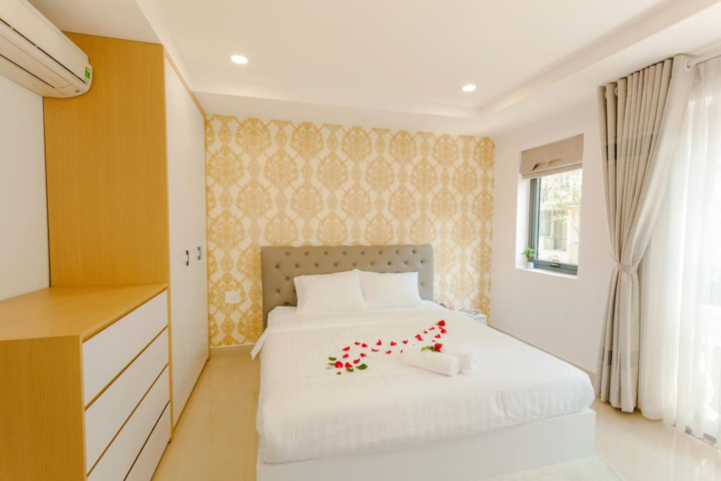 Deluxe room with nice street view