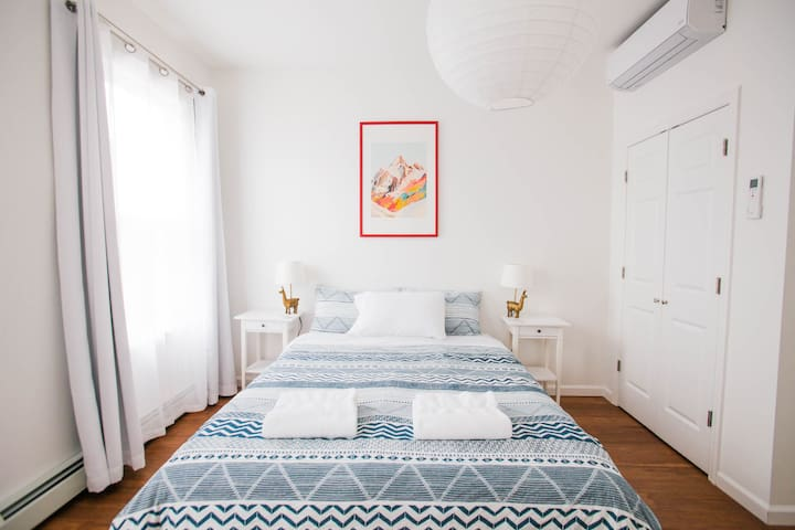 Room 3 · Eco friendly, Jersey City, 15 min to NYC