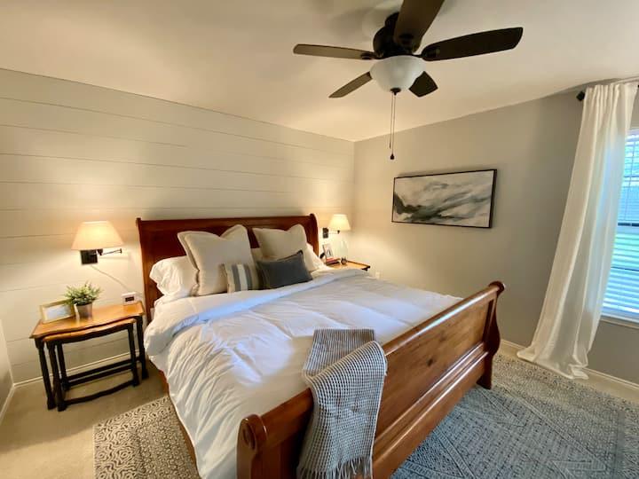 Light & Lovely King Room