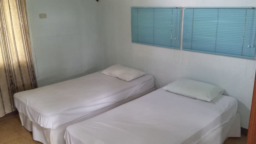 2BR Home Spiritual Retreat in Argao - Argao - Casa