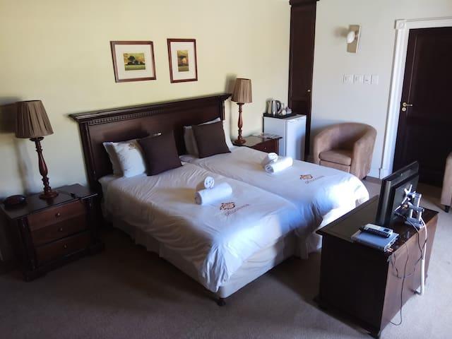 Ridgemor Villa - Ground Floor Twin Room