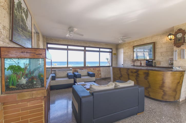 Penthouse Osvaldo with ocean and city views