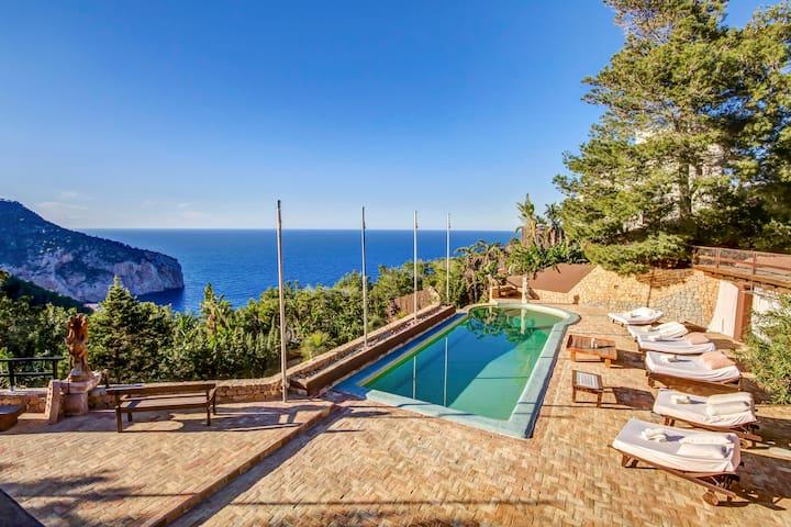Lux Villa: Ibiza magical spot ,The Cliff