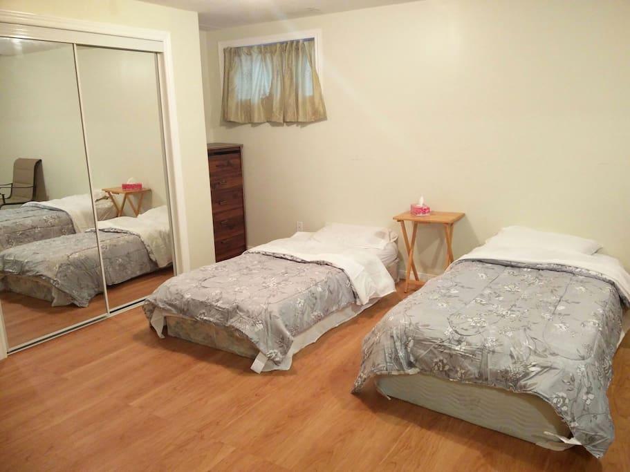 Beds & Closet
