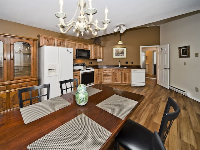 Complete kitchen with microwave, ice maker, dishwasher, and oven. Renovated 2018.