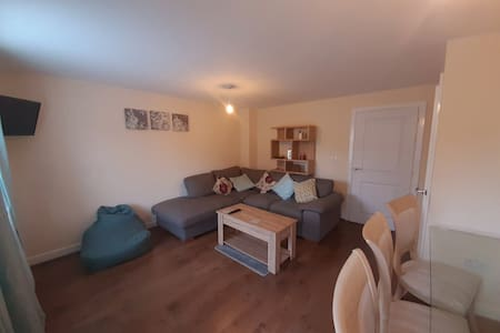 Spacious room in Heart of Warwickshire - Room Two