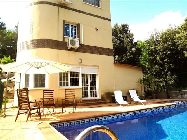 Luxurious casa de Caldes de Montbui 30 minutes from Barcelona and the beach - Barcelona Region
