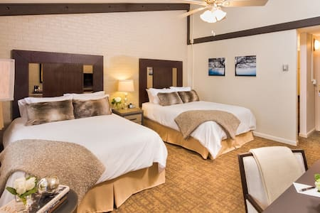 Superior rooms at Snowmass Mountain Chalet - Snowmass Village
