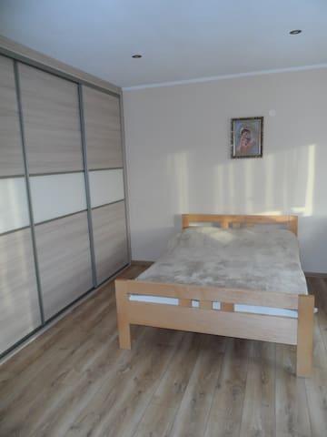 Pokój dla dwóch z możliwością dostawki blisko A1. - Jankowice - Casa