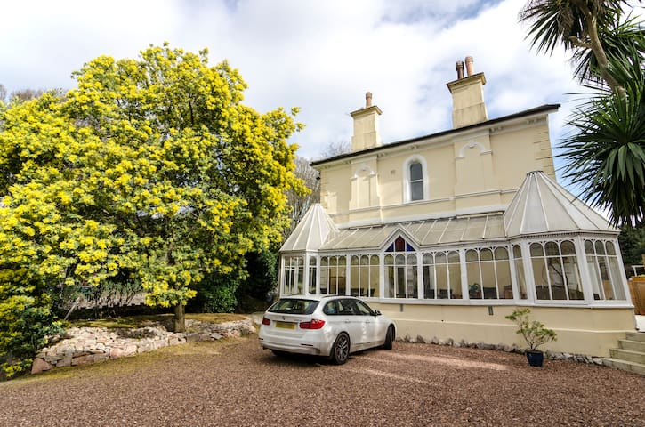 Rutland Lodge - Torquay - Villa