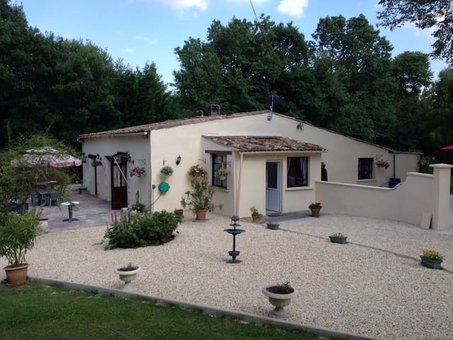 Beautiful country property set in 7 acres of tranquil land