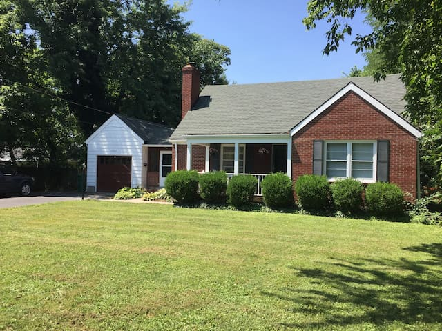 Cape Cod Home - Located on Herr Ln and Westport Rd
