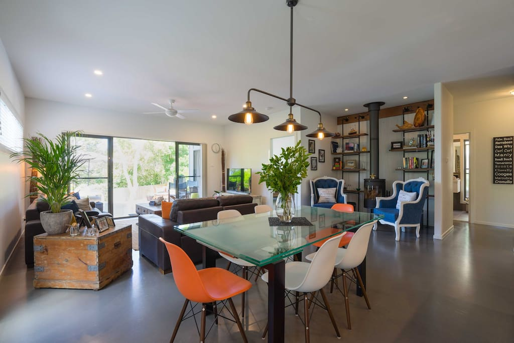Open plan living/dining areas