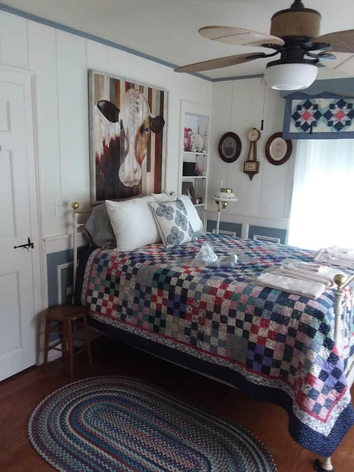 Air bnb 4, Keene, NH Brattlboro VT Honeymoon suite