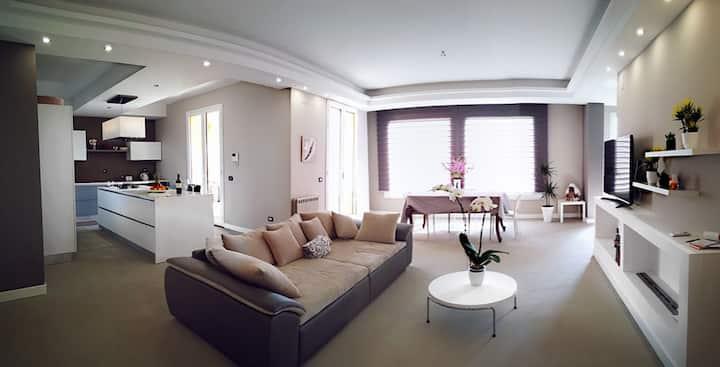 5 Star appartement near the beach & airport