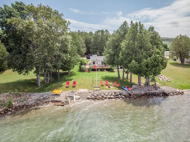 Walter's Place - Georgian Bay Waterfront Cottage