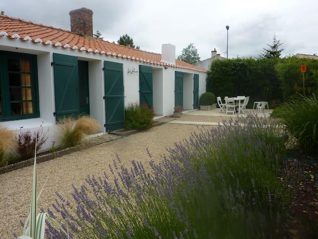 maison proche des  plages - Brem-sur-Mer - Leilighet