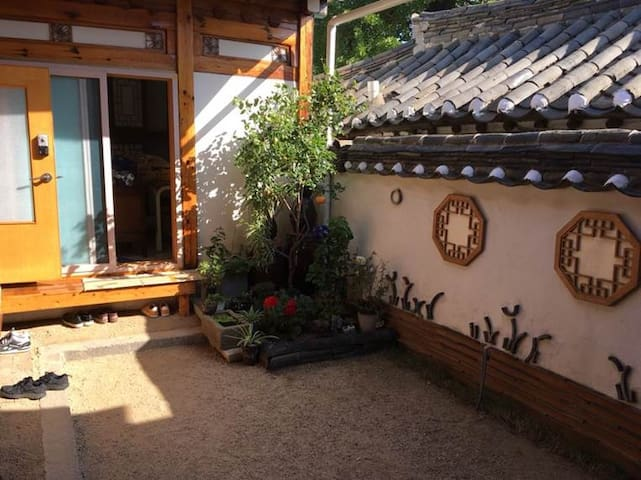 @Jinsu_House #seochon #Gyeongbokgung #Hanok