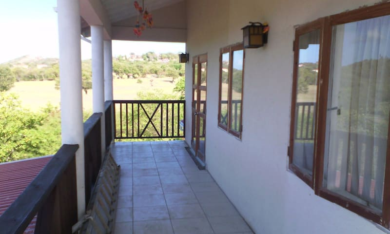 Calypso Orchid 2-1 Bedroom Homestay - Gros Islet - House