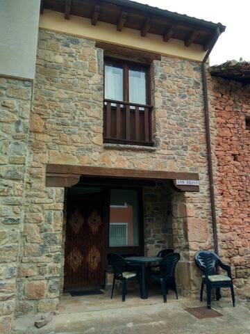 Casa Los Bravo- La Riera (Asturias)