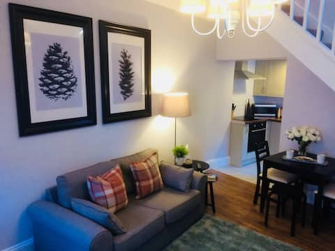 Cottage sleeps 4 +cot Hadrian's Wall Lake District