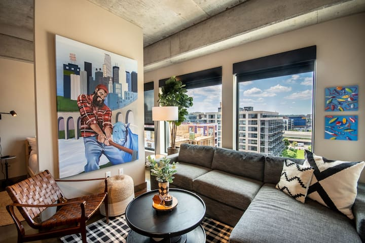 Minnestay* Sable 72 Alcove ♥ Walk to Shops/Bars/Dining ♥ North Loop ♥ Luxury Apartment