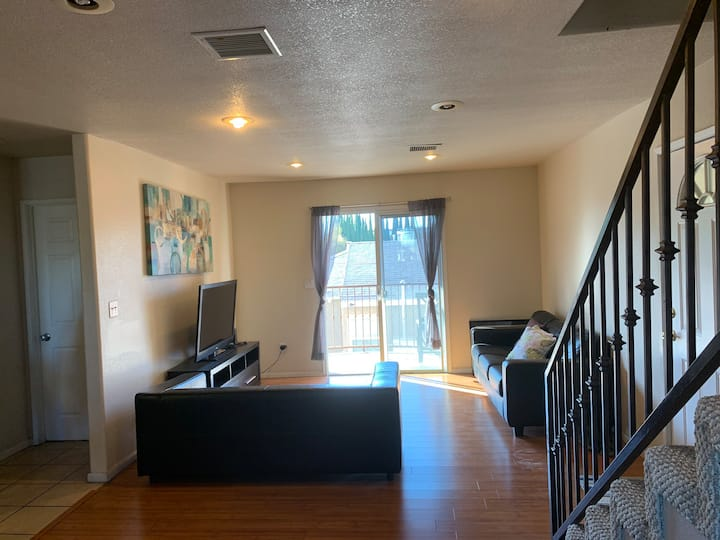 204 Furnished bedroom in Torrance/ Lax
