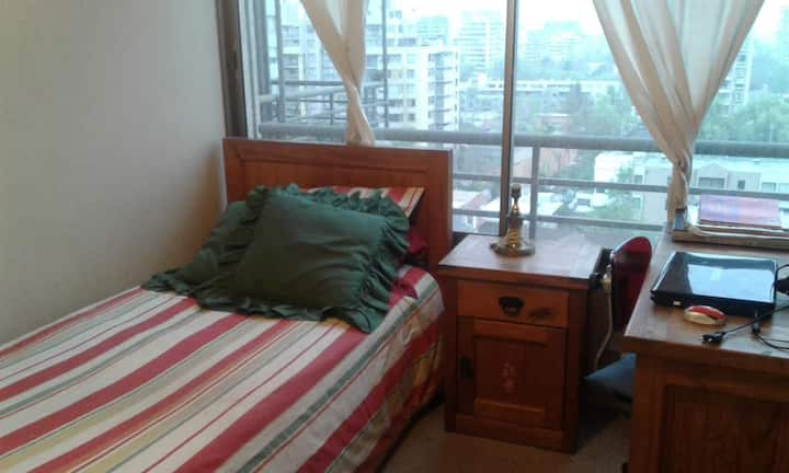 SINGLE ROOMM FOR MRS. OR MISS IN SANTIAGO OF CHILE