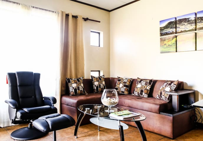 Cozy, fun, open space. CR experts. - Turrialba - Appartement