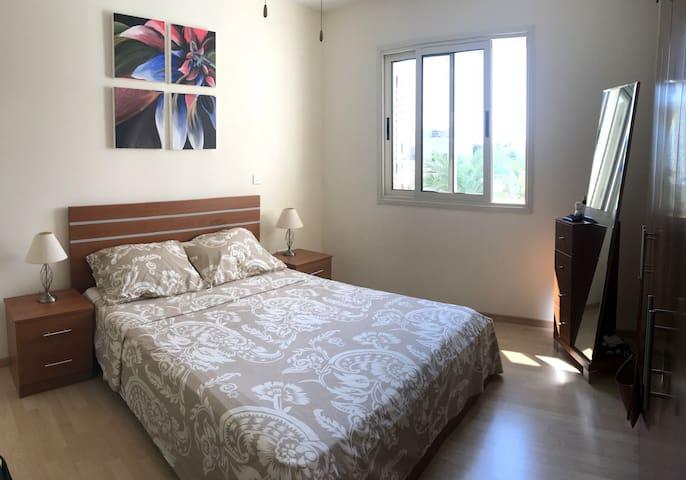 Second upstairs bedroom