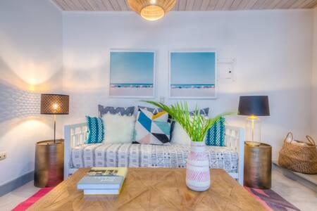 Boheme Boutique Apartments #4 (One-Bedroom Suite)