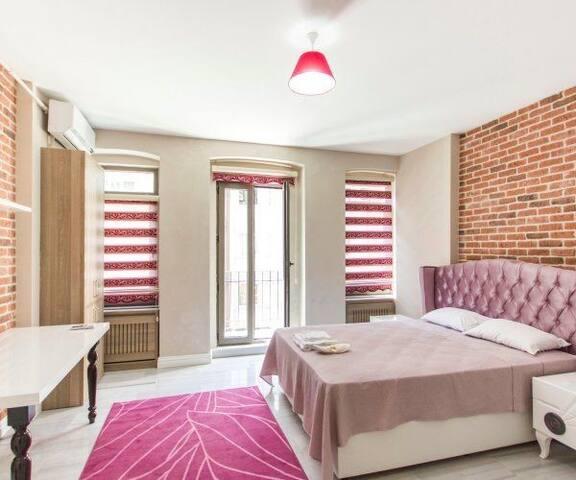 ŞİŞLİ ANA CADDE DE 1+0 LÜKS DAİRE - Şişli - Apartamento
