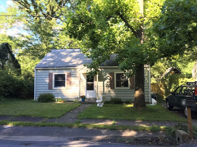 Cozy 2 bedroom home in Lemont - Close to PSU - State College - Rumah