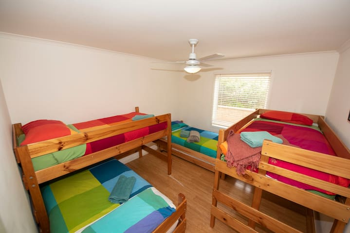 The bunk room - beds for 4 children or 2 adults