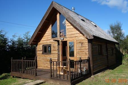 Log Inn, An authentic log cabin