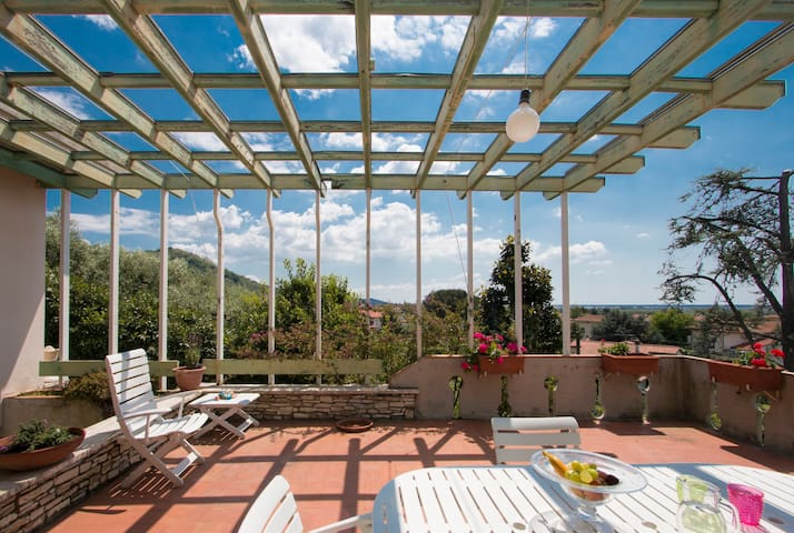 Casa Margherita: mare, lago e arte - Massarosa - Dům