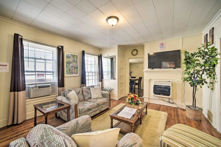 NEW! Apt in Walkable Location ~10Mi to Dtwn Albany